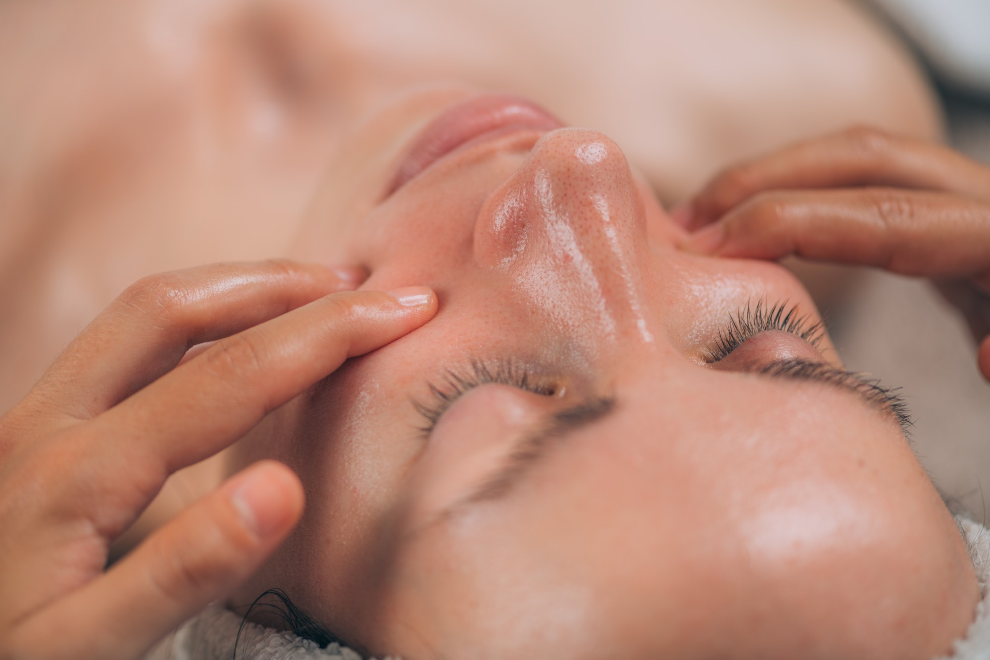 Facial Lift Massage, Pinch and Roll Technique